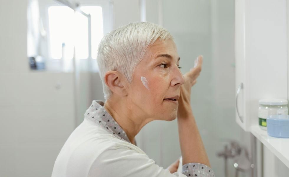 Diferencia entre cremas antiedad para día o noche