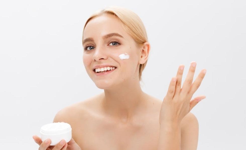 El acné y las mejores cremas hidratantes