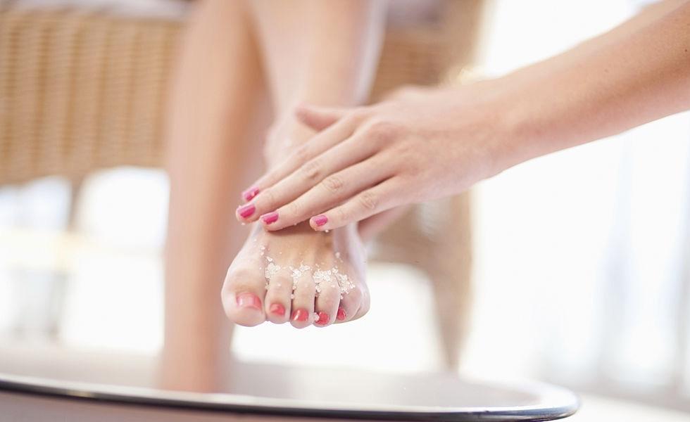 Qué usar para exfoliar nuestros pies